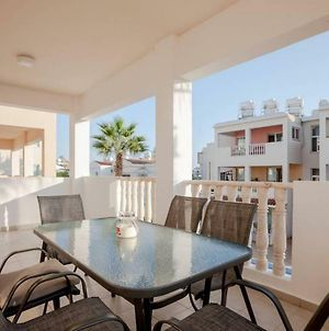 Beautiful 2 Bed Apartment With Great Views In Paphos photos Exterior
