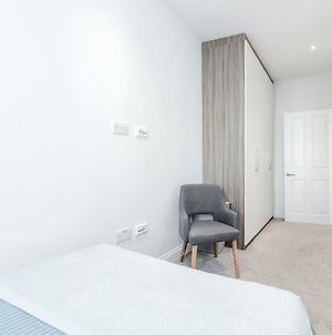 Bright & Modern 2-Bed Notting Hill Apartment photos Exterior