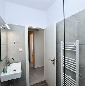 Modern, Comfortable Apartment, In The Heart Of The City photos Exterior