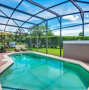 Bella Vidatown Home With Full Size Pool! Townhouse photos Exterior