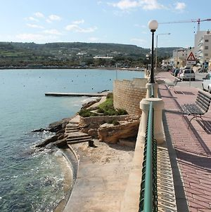 Blue Harbour 3 Bedroom Seafront Apartment With Large Yard In St'Paul'S Bay photos Exterior