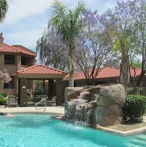 Pristine Top Floor Condo With Access To Clubhouse & Pools photos Exterior