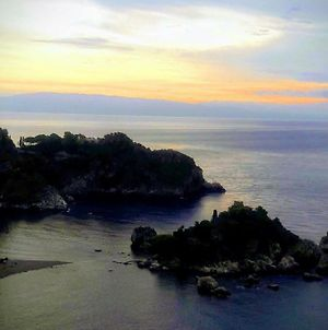 Exclusive Residence With Pool, Breathtaking Views On Taormina And On The Sea Vr photos Exterior