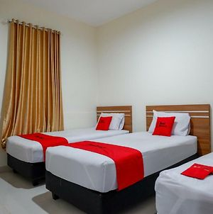 Reddoorz Near Living Plaza Purwokerto photos Exterior