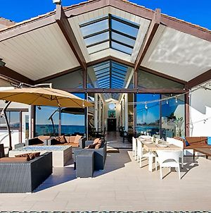 #417 - Oceanfront Escape Ten-Bedroom Holiday Home photos Exterior