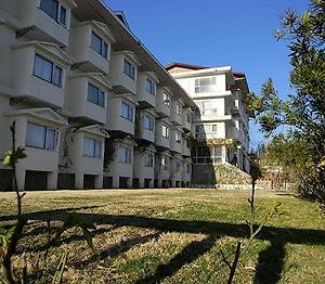 Whistling Pines Resort photos Exterior