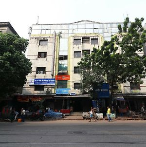 Oyo Flagship 19330 Hotel Aria Executive Bara Bazar photos Exterior