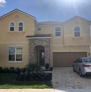 9Br, 7Ba, 12 Min To Disney, Corner House, Great Privacy, Game Room, Swimming Pool photos Exterior