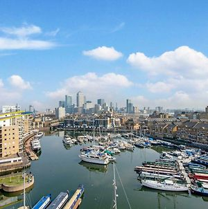 3 Bedroom Apartment In Canary Wharf With Marina Views photos Exterior