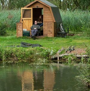 Rum Bridge Fisheries Carp Lake, Twin Bed Pod photos Exterior