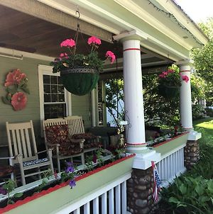 "The Red Hook Country Inn, An ""Old Rhinebeck"" Bed & Breakfast photos Exterior"