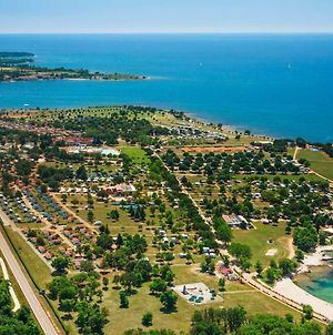 Happy Camp Mobile Homes In Camping Park Umag photos Exterior