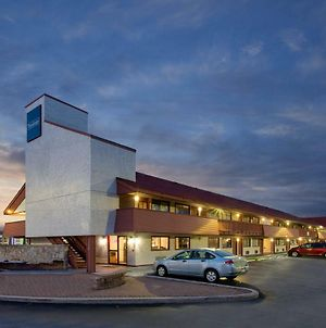 Travelodge By Wyndham Chicago - South Holland photos Exterior