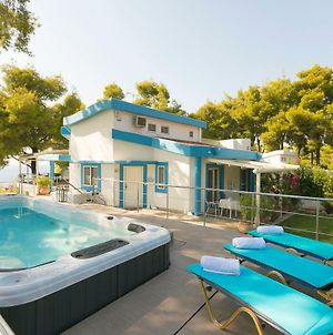 Sani Beach Gallery Villa, Your Next Family Vacation! photos Exterior