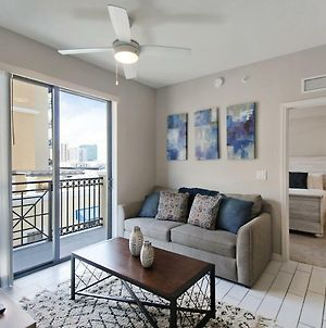 Gorgeous Dadeland Condo photos Exterior