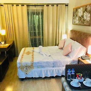 Private Unit At One Tagaytay Place Hotel Suites photos Exterior