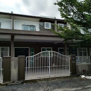 Big Owl Homestay Sg Petani - Big House With Wifi photos Exterior