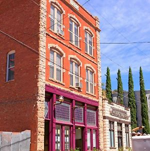 Bisbee Brownstone Suites photos Exterior