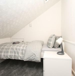 Large 3 Bedroom Top Floor Apartment-Flat In Crouch End photos Exterior