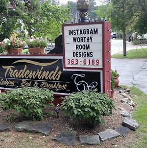 Tradewinds Lodging Bed And Breakfast photos Exterior
