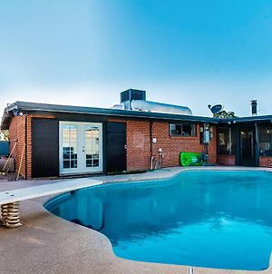 Look No Further! New Fully Renovated With Pool! photos Exterior
