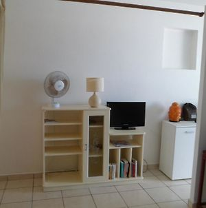 Apartment With One Bedroom In Saint Pierre With Wonderful Sea View Pool Access Furnished Balcony 50 M From The Beach photos Exterior