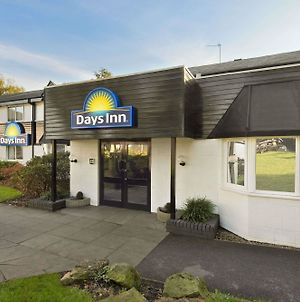 Days Inn By Wyndham Fleet M3 photos Exterior