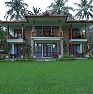 Mangsit Suites By Holiday Resort Lombok photos Exterior