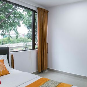 Oyo Rooms Subang Parade photos Exterior