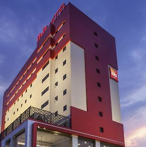 Ibis Pontianak City Center photos Exterior