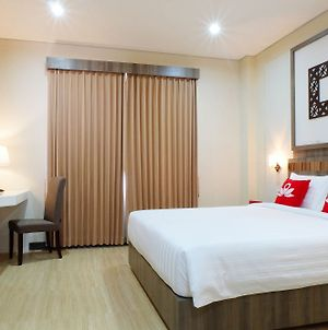 Zen Rooms Mandiri Mansion Galaxy Mall photos Exterior