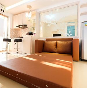 2 Bedrooms At Bassura City Apartment With Mall Access By Travelio photos Exterior