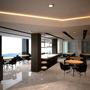 D Best Hotel Bandung Managed By Dafam Hotels photos Exterior