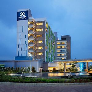 Batiqa Hotel & Apartments Karawang photos Exterior