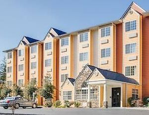 Microtel Suites Pigeon Forge Music Road photos Exterior