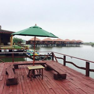 Shwe Inn Tha Floating Resort Hotel photos Exterior