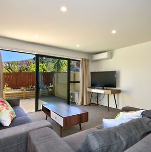 Modern Holiday Home At Frankton Road photos Exterior