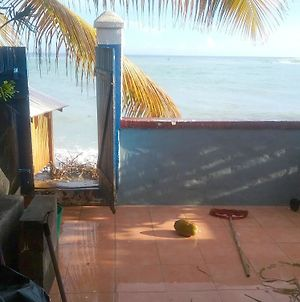 House With One Bedroom In Saint Francois With Wonderful Sea View Fur photos Exterior