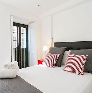 Altido Cosy 1-Bed Flat With Balcony In Alfama, Moments From The Port photos Exterior