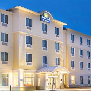 Days Inn & Suites By Wyndham Kearney photos Exterior