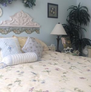 Toad Hall Manor Bed And Breakfast photos Room