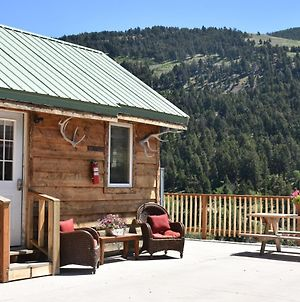 Yellowstone Mountain Cabins photos Room