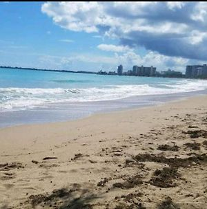 Beach Front Apt Isla Verde 3 photos Room