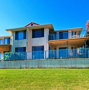 Dolphins 2 7 Commodore Crescent photos Room