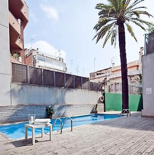 Mid-Term Rentals In Barcelona With Swimming Pool photos Exterior