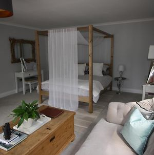 Ryefield Suite - Luxurious Guest Room With Four-Poster Bed And Sumptuous Bathroom photos Exterior