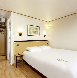 Campanile Hotel Mayenne photos Room