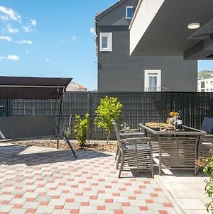 Sunny 4**** Luxury Apart With Garden In Center photos Exterior