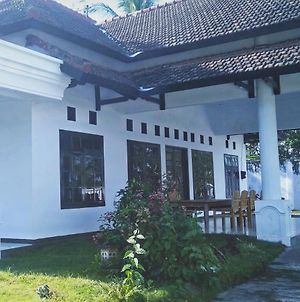 Ijen Bootcamp Guest House photos Exterior