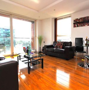 Media City Lowry Apartment 4 Guests 2 Bed photos Exterior
